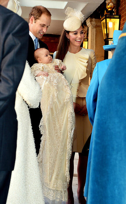 Prince-George-Christening-Gown.jl.102313